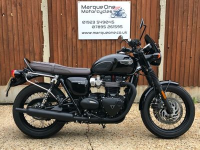 Triumph Bonneville T120 Roadster/Retro 1200 T120 Black