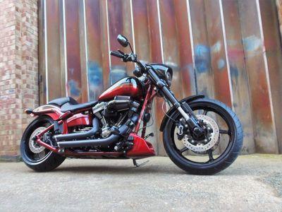 Harley-Davidson CVO Custom Cruiser 1800 Pro Street Breakout