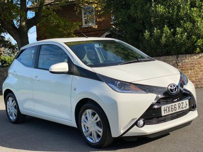 Toyota AYGO Hatchback 1.0 VVT-i x-pression x-shift 5dr