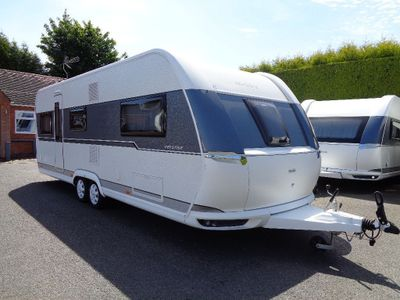 Hobby Prestige Tourer 5 BERTH,FIXED BED CARAVAN IN EXCELLENT CONDITION.