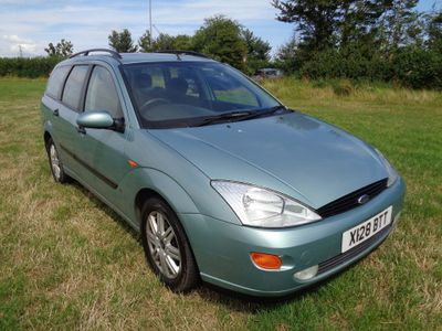 FORD FOCUS Estate 1.6 i 16v LX 5dr