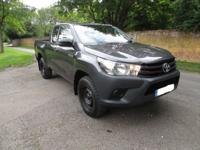 Toyota Hilux Pickup 2.4 D-4D Active PickUp Extra Cab 4WD EU6 (s/s) 4dr