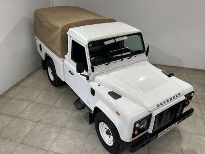Land Rover Defender 110 Pickup 2.2 TDCi 4WD MWB 2dr (High Capacity)