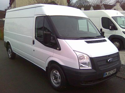 Ford Transit Panel Van 2.2 TDCi 350 Duratorq Medium Roof Van L 3dr (LWB)