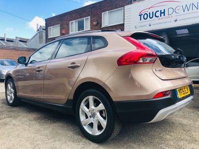 Volvo V40 Cross Country Hatchback 2.0 D2 Lux Nav Geartronic (s/s) 5dr