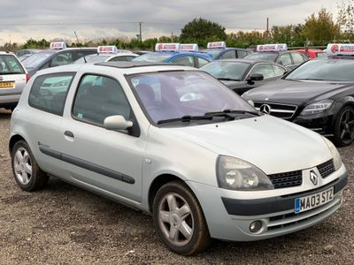 RENAULT CLIO Hatchback 1.2 Dynamique Billabong 3dr