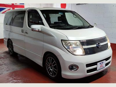Nissan Elgrand MPV HIGHWAY STAR LEATHERS DVD 360 VIEW CAMRS