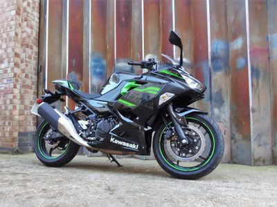 Kawasaki Ninja 400 Super Sports 400 ABS (KRT Edition)
