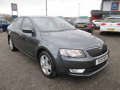 SKODA Octavia Hatchback 2.0 TDI CR DPF SE Business 5dr