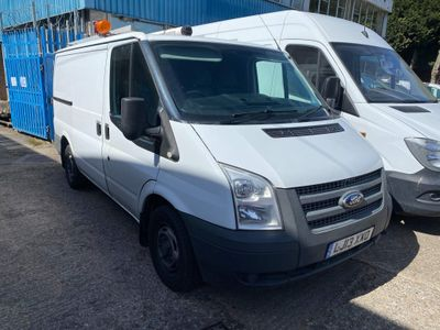 Ford Transit Panel Van 100 T300 FWD euro 5 6 speed