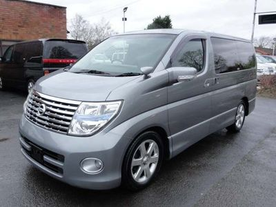 Nissan Elgrand MPV HIGHWAY STAR RARE SILVER LEATHER EDITION