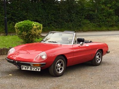ALFA ROMEO SPIDER Convertible {Edition unlisted}