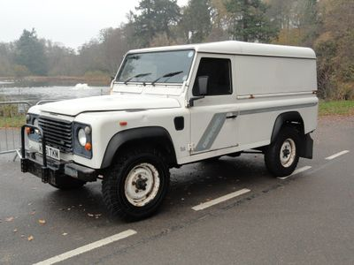 Land Rover Defender 110 SUV 2.5 D Hard Top 4X4 5dr