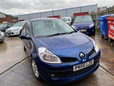 Renault Clio Hatchback 1.4 16v Privilege 5dr