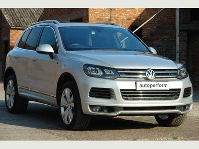 Volkswagen Touareg SUV 3.0 TDI V6 BlueMotion Tech R-Line Tiptronic 4WD (s/s) 5dr