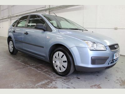 FORD FOCUS Hatchback 1.4 Studio 5dr