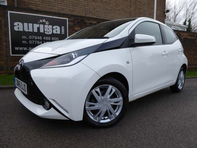 Toyota AYGO Hatchback 1.0 VVT-i x-pression x-wave x-shift 5dr (Safety Sense)