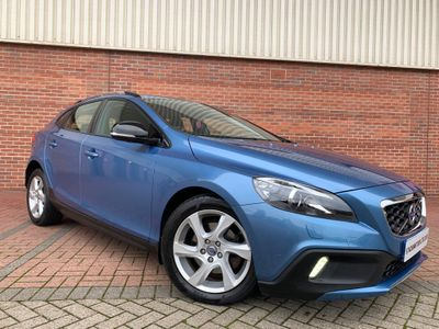 Volvo V40 Cross Country Hatchback 1.6 D2 Lux Nav Cross Country Powershift (s/s) 5dr