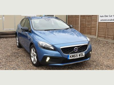 Volvo V40 Cross Country Hatchback 2.0 D4 Lux Nav Geartronic (s/s) 5dr