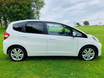 Honda Jazz Hatchback 1.4 i-VTEC ES Plus CVT 5dr