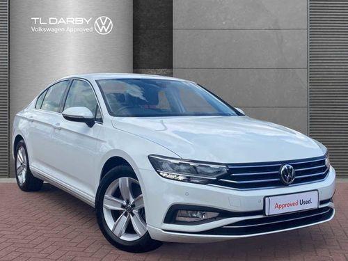 Volkswagen Passat 1.6 TDI SE Nav DSG (s/s) 4dr
