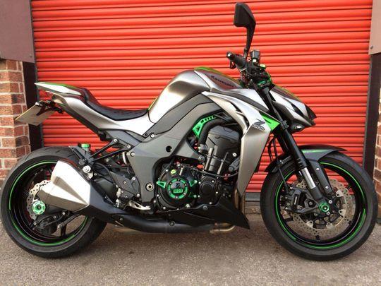 Kawasaki Z1000 bikes for sale on Auto Trader UK