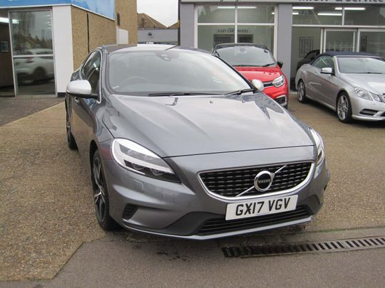 Cheap Motorhomes For Sale By Owner >> Volvo V40 R-Design Pro used cars for sale on Auto Trader UK