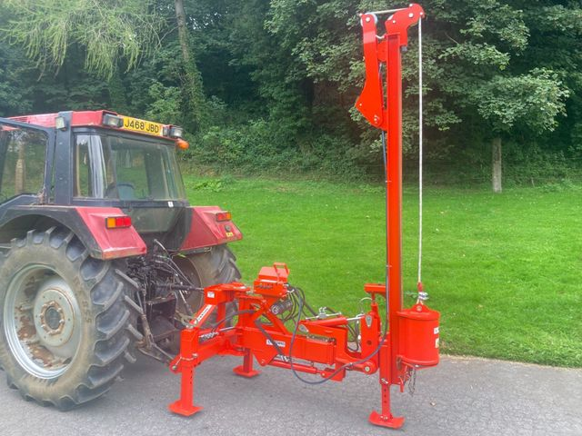2020 Browns Hydraulic post knocker *as new* Image
