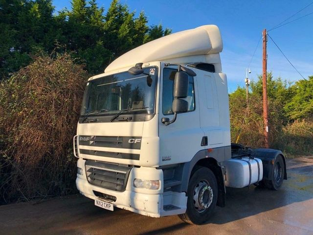 2012 (12) DAF CF85,410 SLEEPER CAB 4X2 LOW ROOF CAB Image