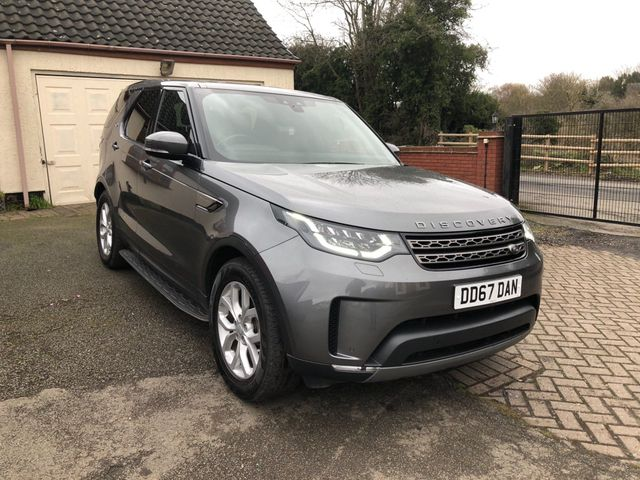 2017 Land Rover Discovery Image