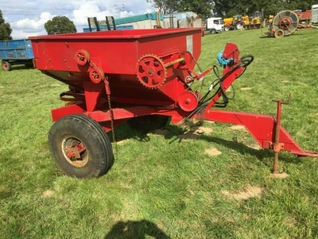 Taskers Trailed Fertiliser Spreader £480 plus vat £576 Image