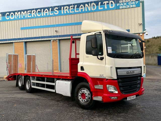 2015 (65) DAF CF 330 FITTED WITH NEW BEAVERTAIL BODY EURO 6 Image