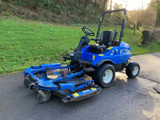 2007 New Holland MC35 ride on mower with out front deck Image