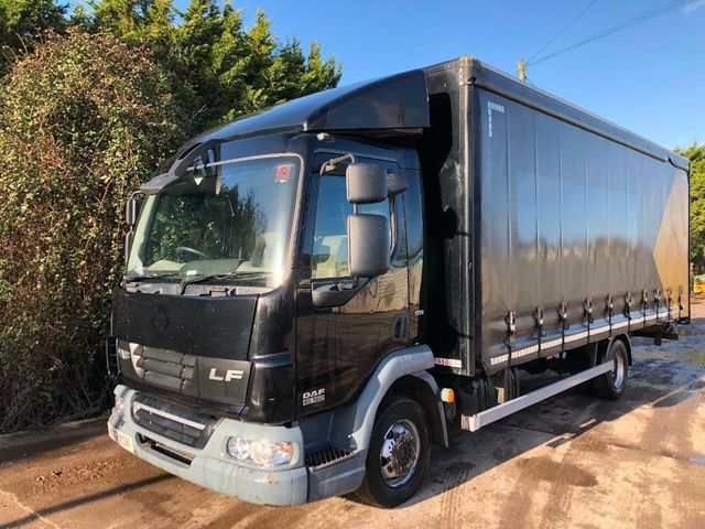 2012 (12) DAF LF45,160 CURTAINSIDER 7.5 TON MANUAL GEARS Image