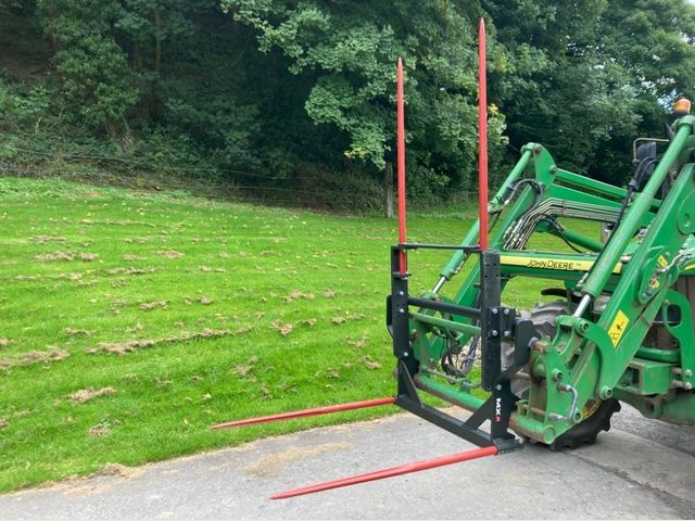 MX L40 Bale spike with pick up Image
