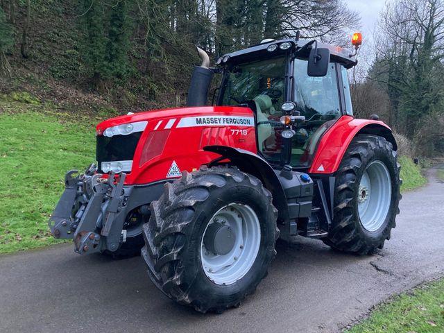2017 Massey Ferguson 7718 Dyna 6 Tractor Image