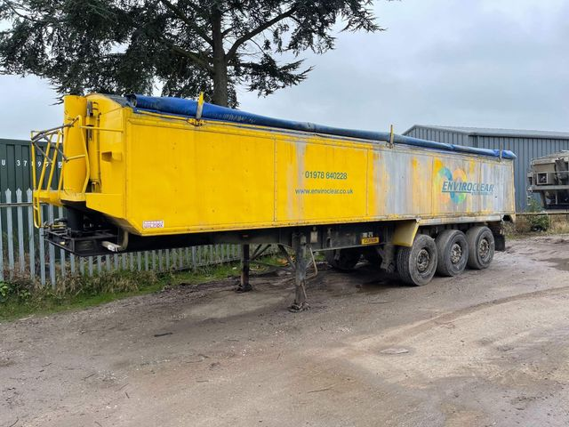 2007 Wilcox 3 axle tipping trailer Image