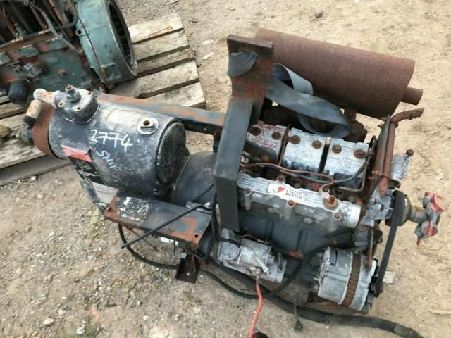 Lister 3 cylinder engine with Hydrovane compressor - spares £360 plus vat £432 Image