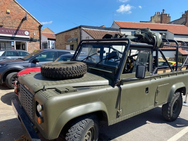 1985 Land Rover 110 Image