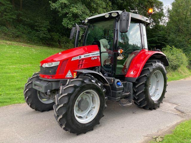 2019 Massey Ferguson 5711S Tractor Image