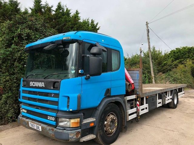 1999 (T) Scania 94D SLEEPER FLATBED FASSI CRANE (REMOTE) 18 TON Image