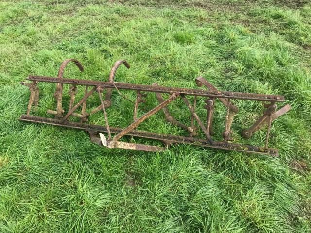 Massey Ferguson Spring Tine Cultivator £350 Image