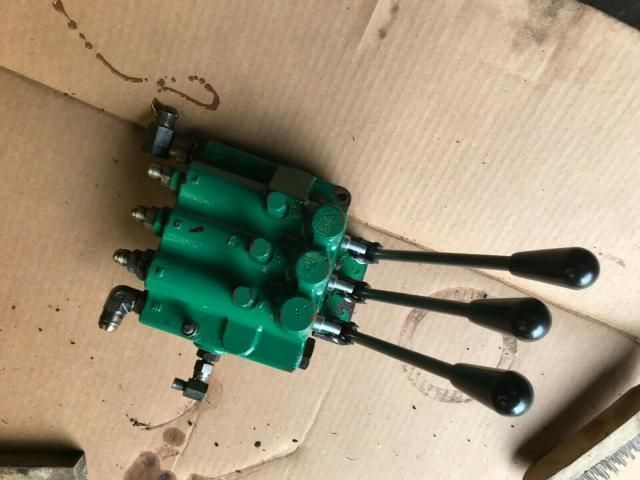 Ransomes 350Diesel 5 gang mower hydraulic up down control cutting cylinders £120 Image
