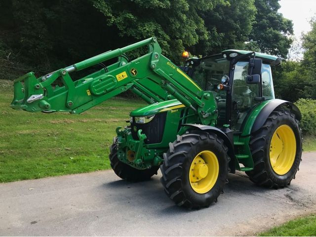 2018 John Deere 5125R Tractor C/W 603R Loader and Front linkage Image