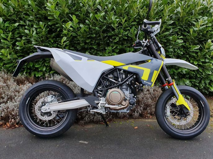 Husqvarna 700 Supermoto ABS Super Moto New 2020 701 Supermoto