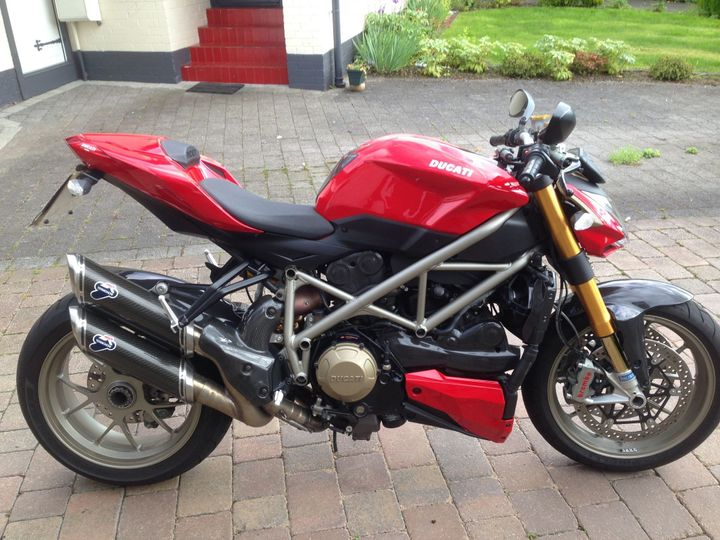 Ducati Streetfighter 1099s 1099cc image