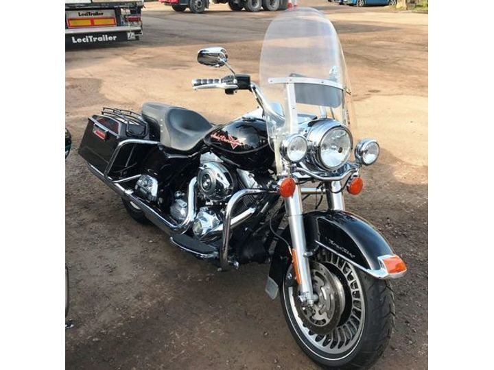 Harley-Davidson TOURING FLHR Road King 1584 RECENTLY IMPORTED - … image