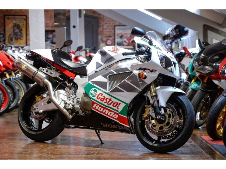 Honda VTR1000 SP2 IMMACULATE 1,548 MILE EXAMPLE 999cc image
