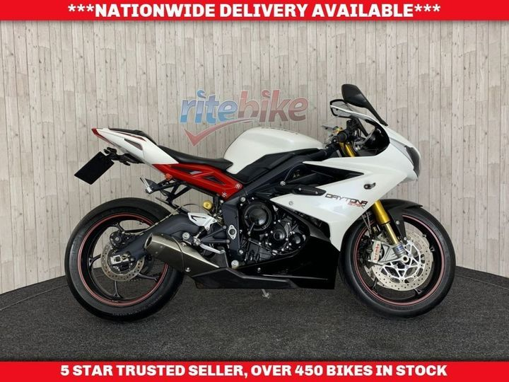 Triumph DAYTONA 675 R ABS 1 OWNER LOW MILEAGE CARBON PARTS 2013 13 … image
