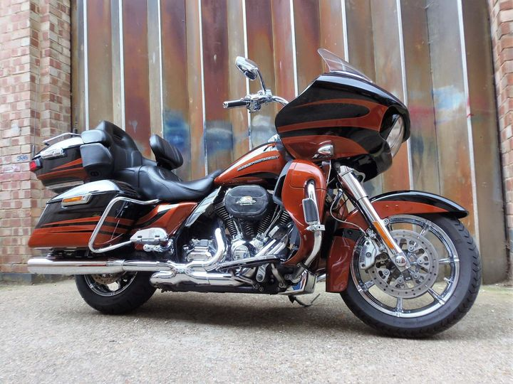 New Harley-Davidson CVO Electra Glide Ultra Limited Street Glide for